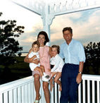 JFK_and_family_in_Hyannis_Port,_04_August_1962.jpg